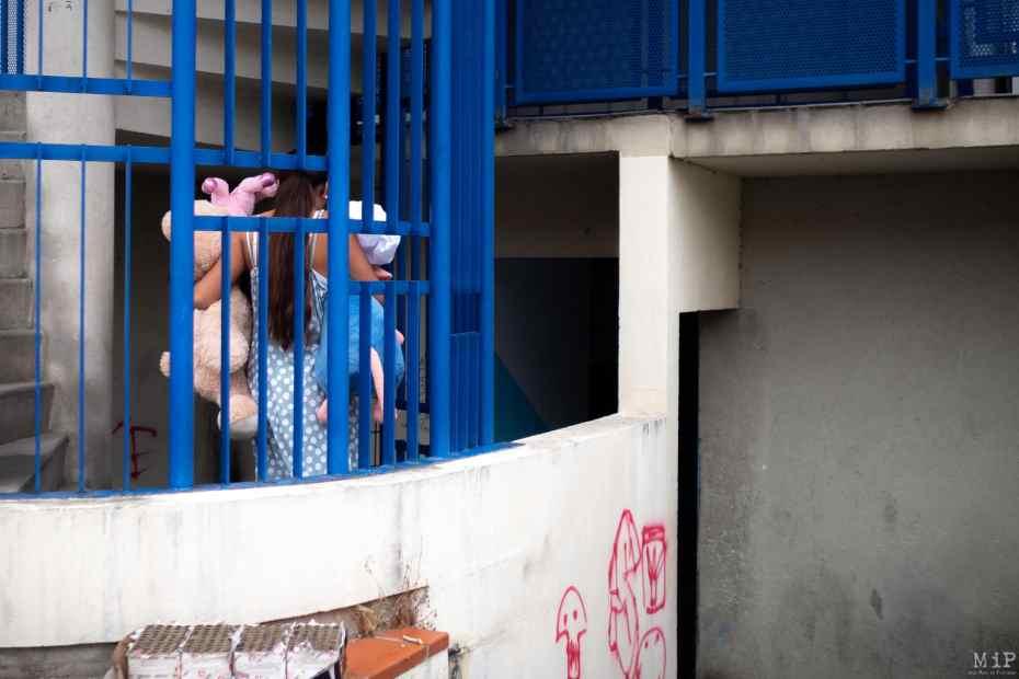 France, Perpignan, 2021-09-03. On Friday 3 September, several police teams went to the Puig square with their sirens wailing, called in as reinforcements by the municipal police. According to the head of the national police force on the spot, the municipal police tried, in vain, to arrest a drug dealer in flagrante delicto; and the gypsy community put pressure on them. Photograph by Arnaud Le Vu / Hans Lucas.France, Perpignan, 2021-09-03. ce vendredi 3 septembre, plusieurs equipages de police se sont rendus sirene hurlante sur la place du Puig appeles en renfort par la police municipale. Selon le responsable de la police nationale sur place, les municipaux auraient tente, en vain, d arreter un dealer en flagrant delit et la communaute gitane leur aurait mis la pression. Photographie de Arnaud Le Vu / Hans Lucas.