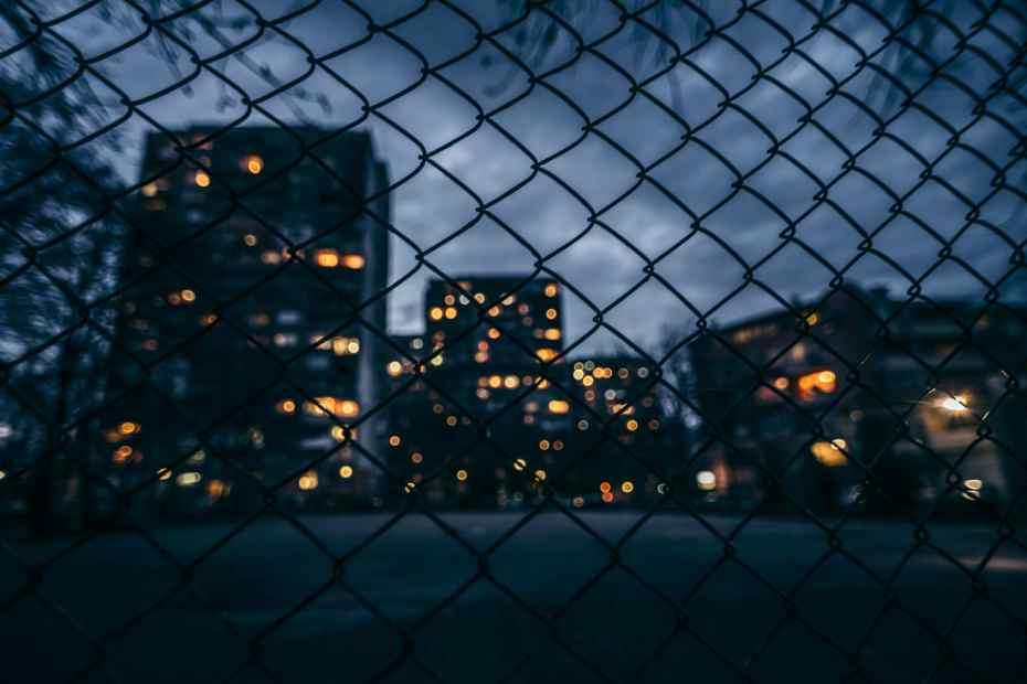 Frappée par une violente criminalité, une ville suédoise expérimente des solutions venant des États-Unis
