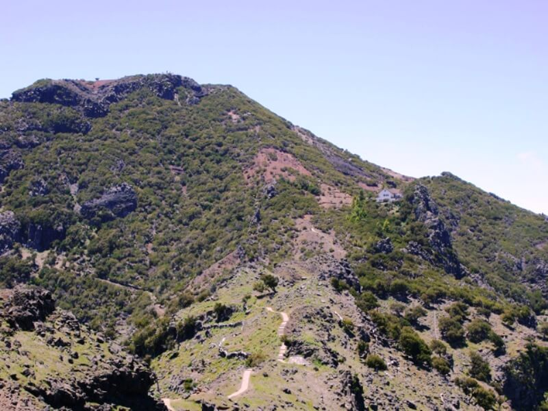 Pico do Areeiro to Pico Ruivo Walk (7)