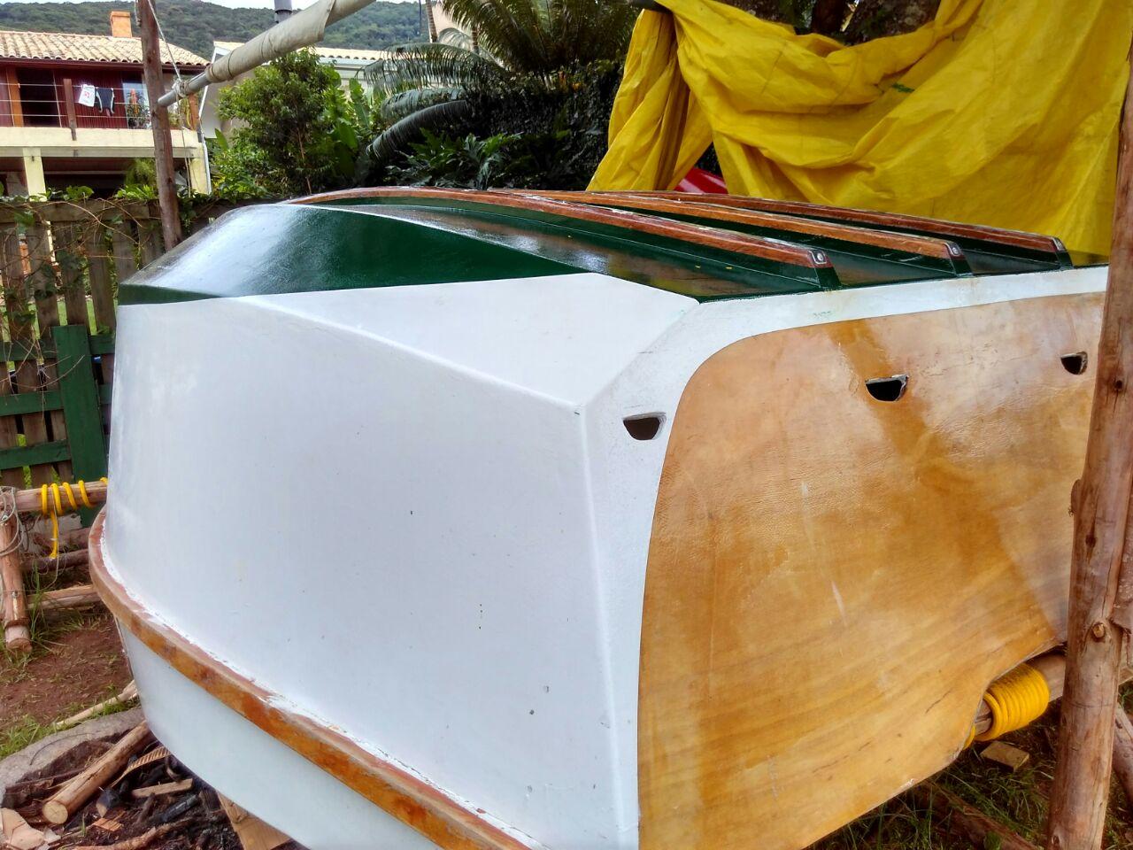 Aprenda a construir um barco sem sair de casa!