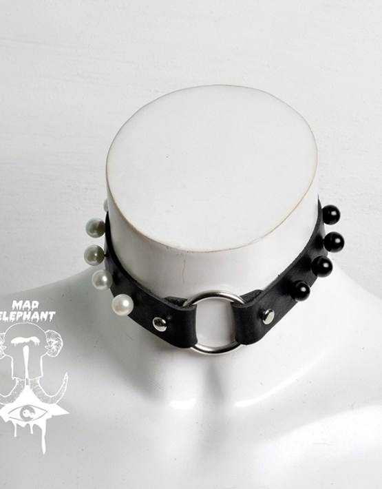 leather choker ring black white pearl