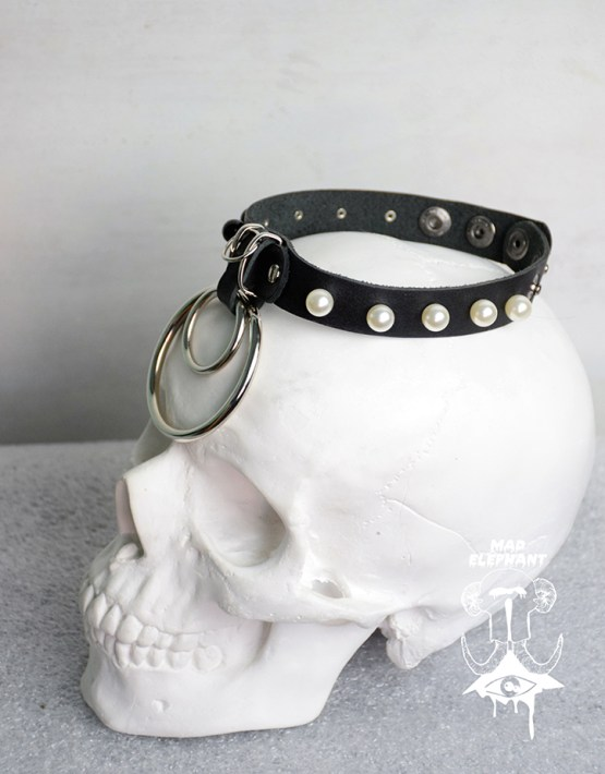 leather choker with metal ring