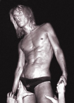 LOS ANGELES - OCTOBER 30: Punk rocker Iggy Pop performs onstage at the Whisky A Go Go on October 30, 1973 in Los Angeles, California. (Photo by Michael Ochs Archives/Getty Images)