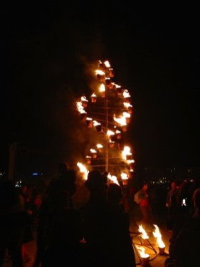 Entre flammes et flots 19