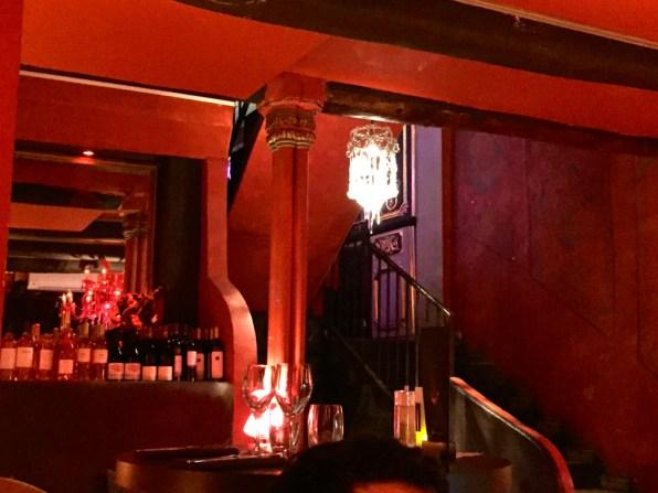Salon Rouge La Chimère Café