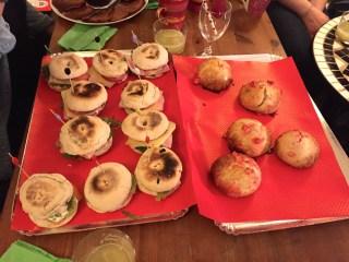 Muffins anglais et brioche pralines