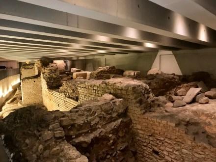 Vestiges d'un amphithéâtre gallo-romain du Ier siècle