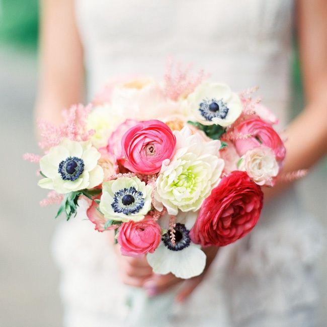 Brautstrauss Ranunkeln Anemonen weiss rosa  Mademoiselle No More Schweizer Hochzeitsblog