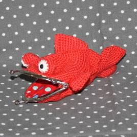 Porte monnaie poisson au crochet fait main