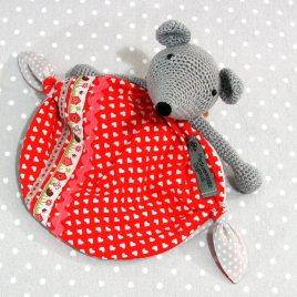 Papillotte, doudou bébé, souris au crochet fait main