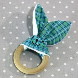 Anneau de dentition oreille de lapin carreaux bleus/ handmade bluerabbit teething ring