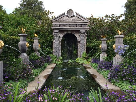 arundel-castle-gardens
