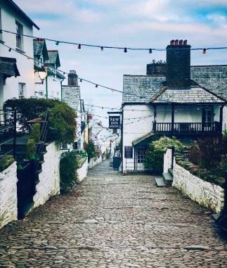 L'unica strada del villaggio