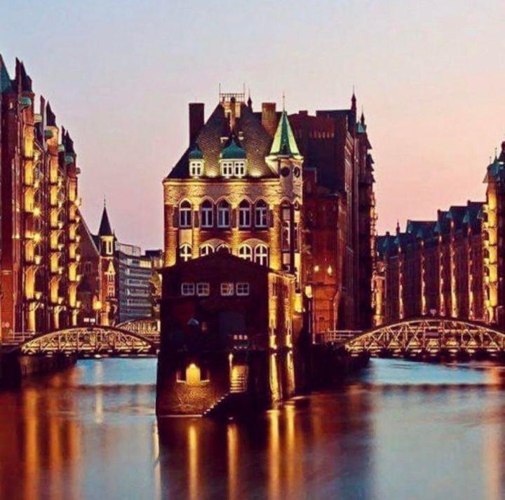 Amburgo: dinamica, vibrante e cosmopolita. Cosa vedere nella città anseatica.