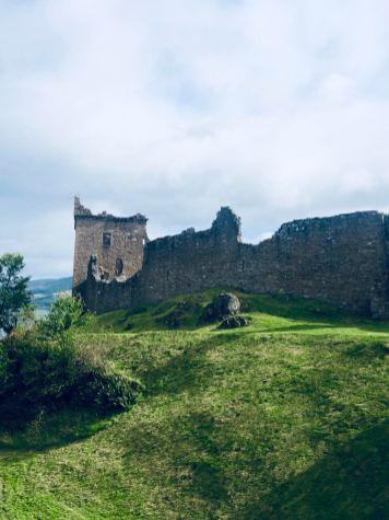 Loch Ness e Urquhart Castle, scorcio del castello in rovina