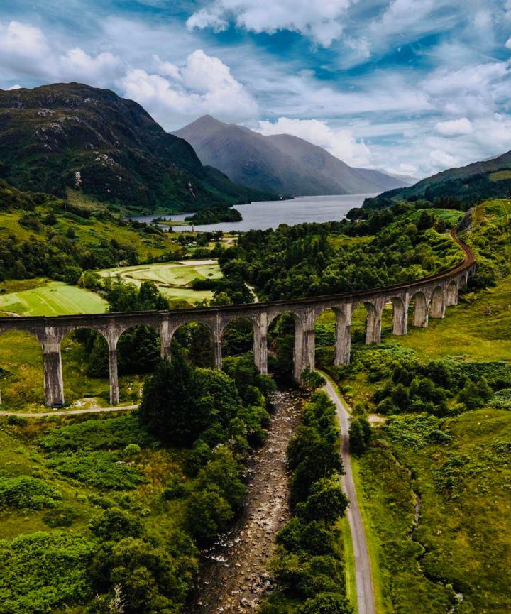 Glenfinnan Viaduct e il paesaggio circostante