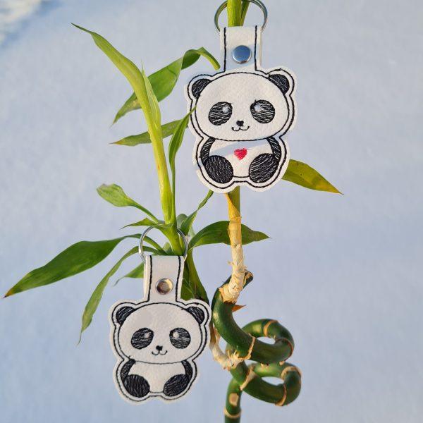 présentation mademoiselle-eleonore-evreux-normandie-porte clés panda