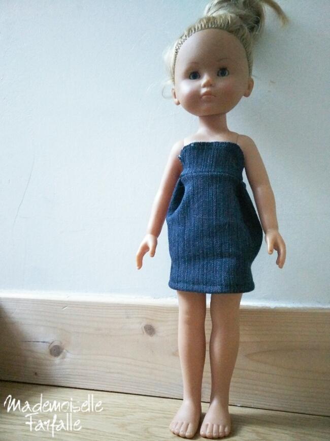 robe faite maison pour poupée Chérie