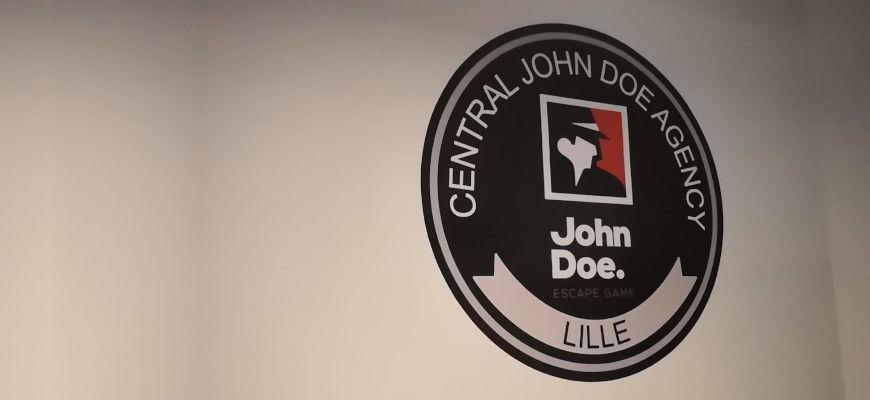 Ma première mission d'agent secret chez John Doe