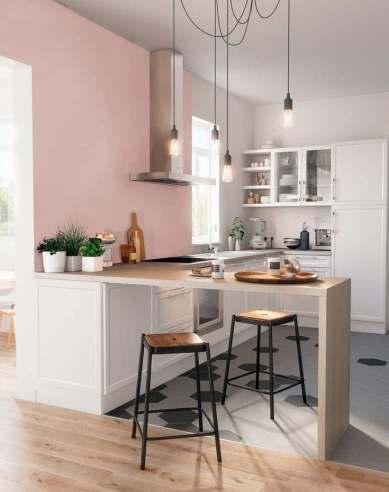 Décorer une petite cuisine blanche.