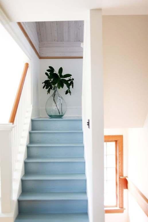 Escaliers modernes et colorés