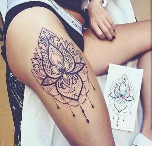 Idées tatouage cuisse femme lotus mandala