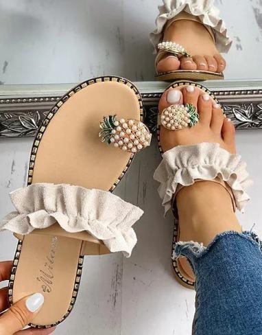 Sandales plates beige été 2021