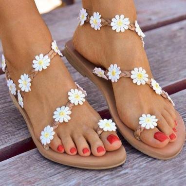Sandales plates pour été 2021