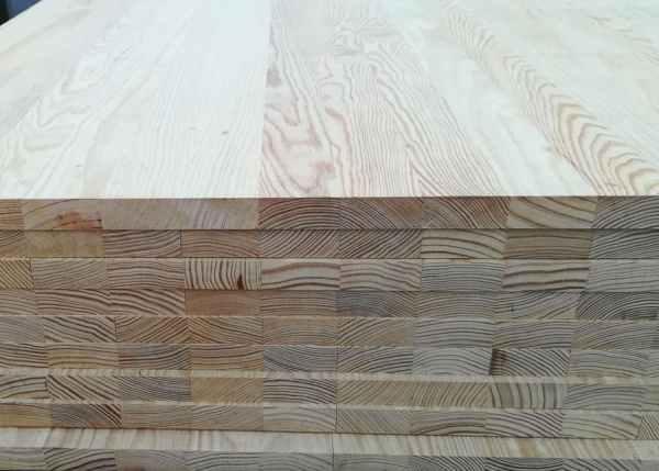 Tablero alistonado de madera maciza