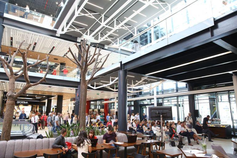 Aperto ieri Rajiceva il Mall in centro a Belgrado