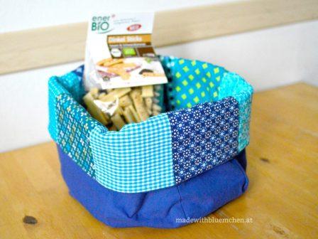 Das Utensilo war gefüllt mit leckeren Dinkel-Sesam-Sticks. Die sind schon in der Sommerhitze verdunstet.