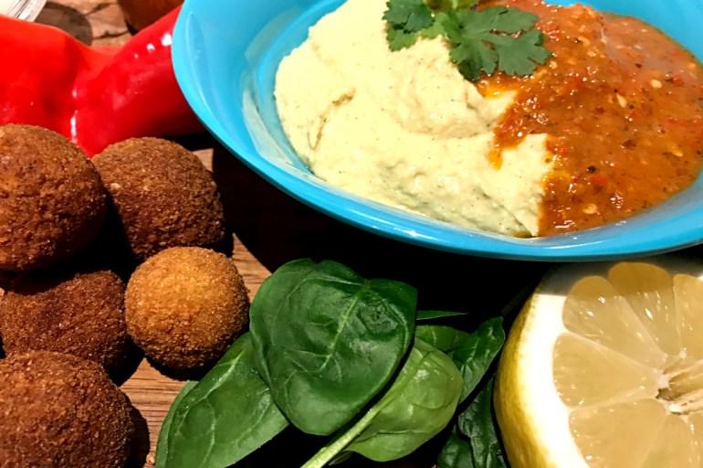Hummus med hjemmelavet sambal oelec
