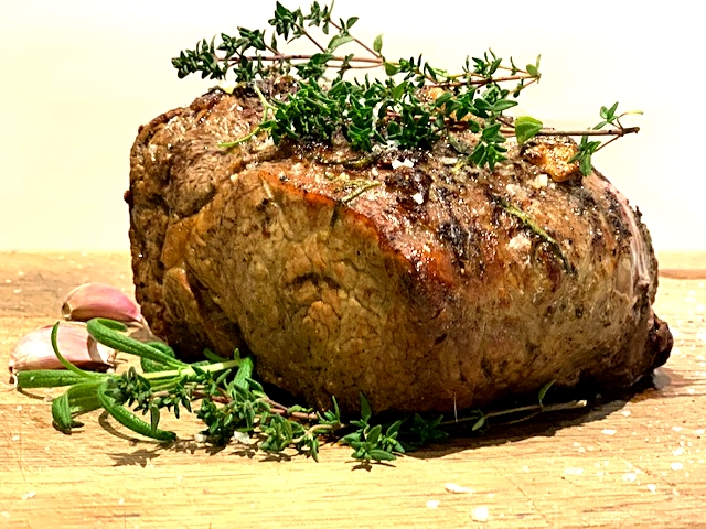 Saftigt og mørt kød med helstegt ribeyesteg