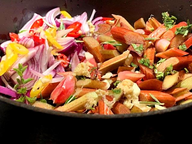 Opskrift på rabarberrelish til kød og grillretter