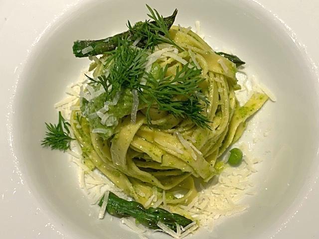 Pasta med aspargespesto