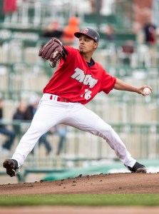 Osvaldo Hernandez, San Diego Padres prospect pitching for Fort Wayne TinCaps <a rel=