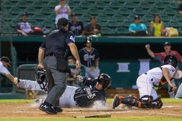 El Paso Chihuahuas plate the deciding run in their playoff win over Fresno Grizzlies.