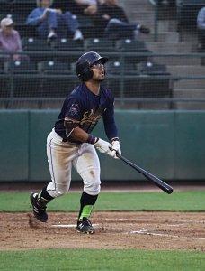 Padres prospect Matthew Acosta bats for Tri-City Dust Devils