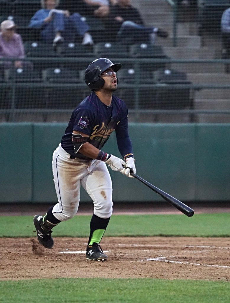 Padres prospect Matthew Acosta bats for Tri-City Dust Devils