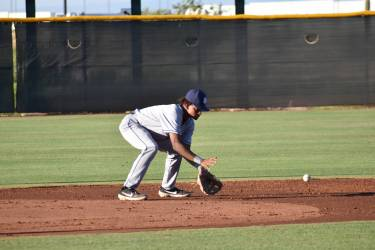 Padres prospect CJ Abrams fields a ball in the AZL.