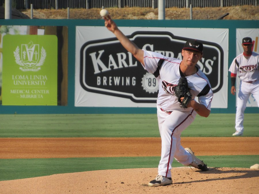 Padres prospect Nick Thwaits pitches for the Lake Elsinore Storm