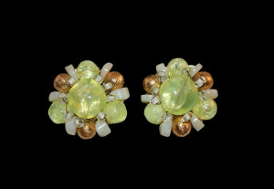 Hobe' green cluster bead earrings
