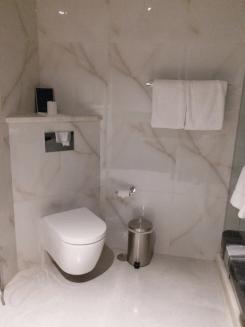 washroom-beleza by the sea