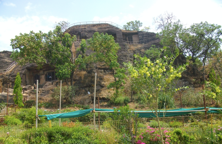 Pandava cave, panchmarhi, MP.png