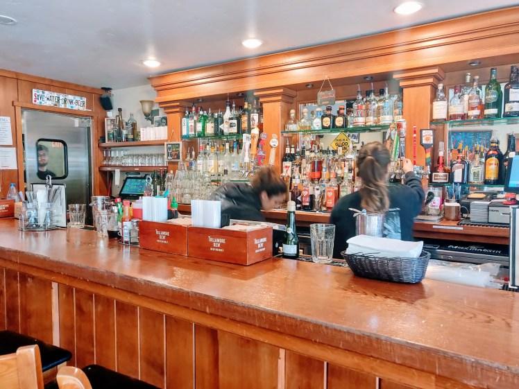 Bar, Alice's restarutant.jpg