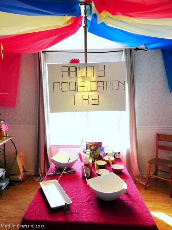 superhero-party-dining-room_thumb1
