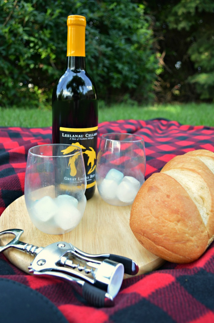 Perfectly Portable Picnic  Shatterproof Glasses for Picnic  ForRent.com