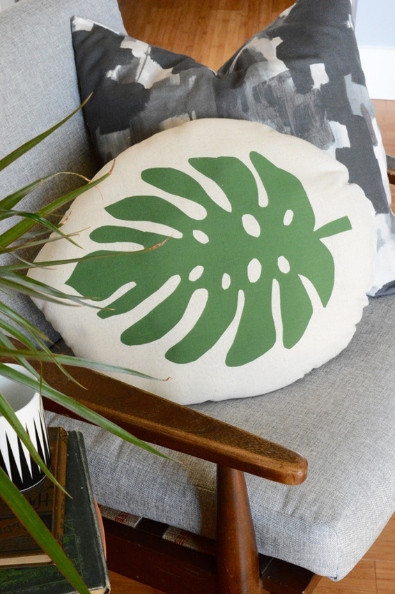 tropical_leaf_pillow_1a