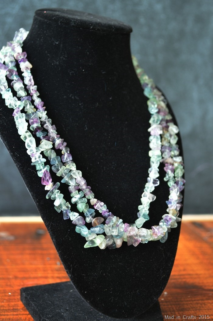 multi strand chip bead necklace