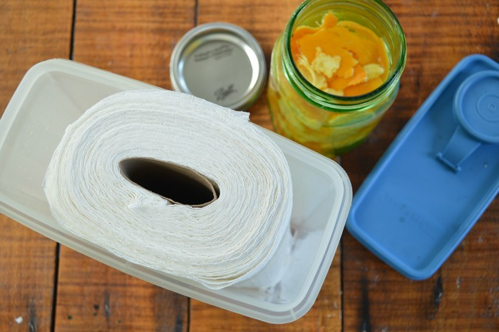 paper towel in container
